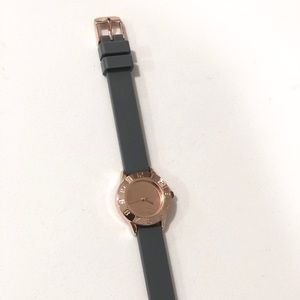 Rose gold and grey rubber classy timeless watch